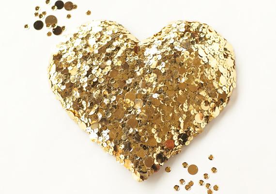 diy-gold-sequin-heart-6