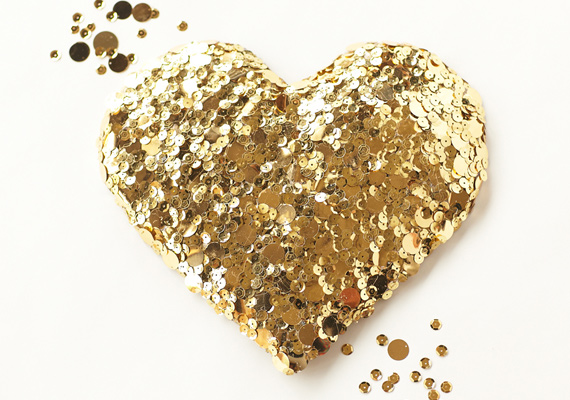 diy-gold-sequin-heart-6